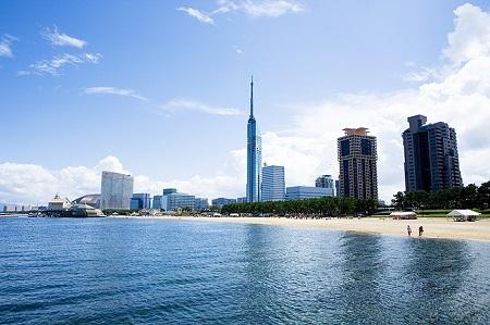 Momochi Seaside Park1