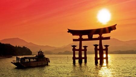 Itsukushima_otorii